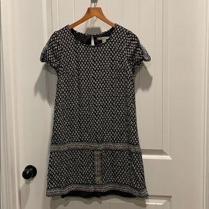 Dresses & Skirts - Black and white shift dress